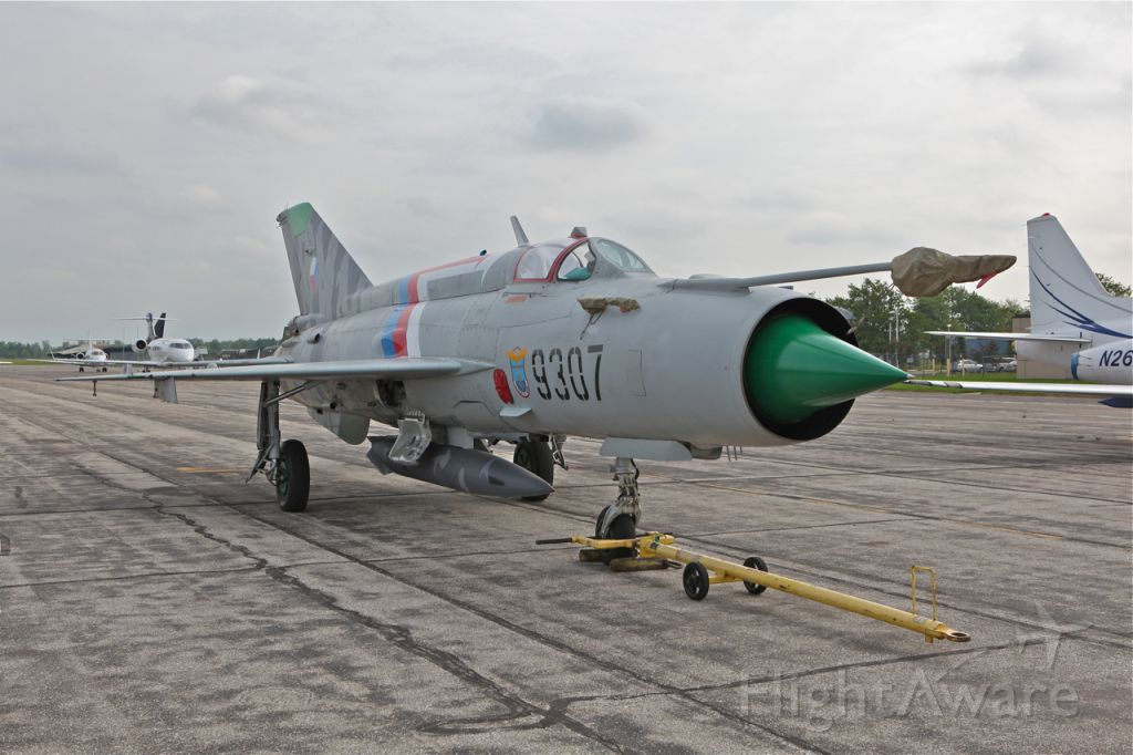 MIKOYAN MiG-21 (N9307) - Mig 21