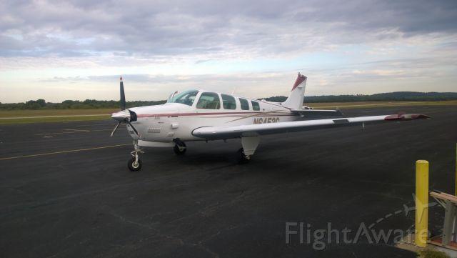 Beechcraft Bonanza (N6453C)