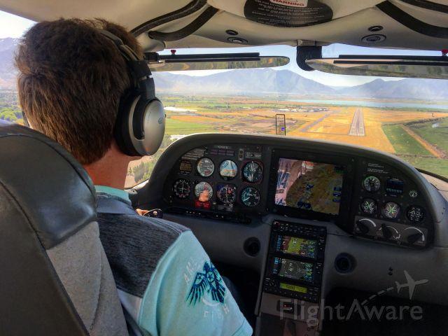 Cirrus SR-20 (N243CD) - On approach at KPVU