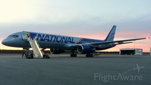Boeing 757-200 (N176CA) - I found this picture recently, I took it a few years ago when it was returning FSU Boosters to TLH from the NCAA National Championship game in Pasadena.