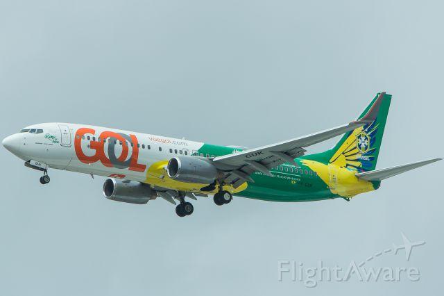 Boeing 737-800 (PR-GUK) - GOL Transportes Aereos #Voa Canarinho - Boeing 737-8EH<br />Registration: PR-GUK<br /><br />Buenos Aires (EZE) / São Paulo (GRU)<br /><br />Foto tirada em: 02/04/2017<br />Fotografia: Marcelo Luiz