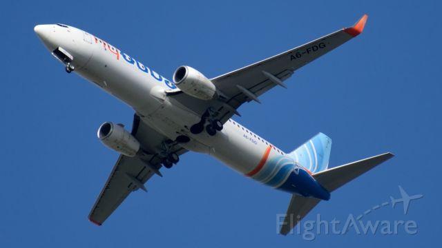 Boeing 737-700 (A6-FDG)