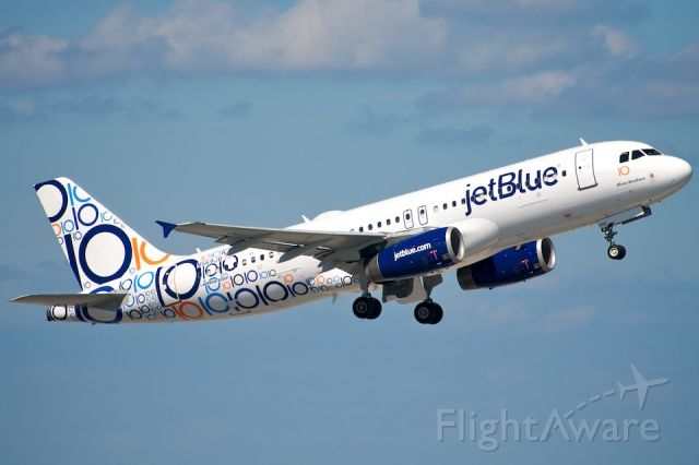 """Airbus A320 (N569JB) - """"Blue Brothers"""" repainted for jetBlue"""