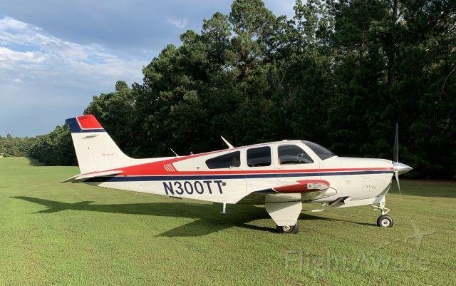 Beechcraft Bonanza (33) (N300TT)