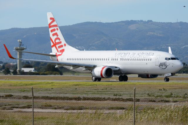 Boeing 737-800 (VH-VUW) - On taxiway heading for take-off on runway 05. Thursday, 8th May 2014.