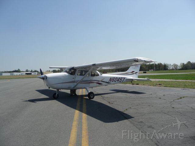 Cessna Skyhawk (N60457)