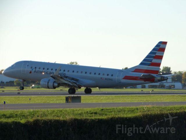 Embraer 170/175 (N129HQ)