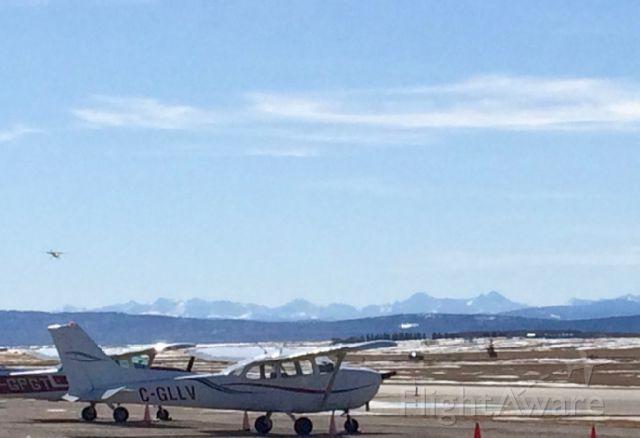 Cessna Skyhawk (C-GLLV) - CGLLV & CGPGT Cessna 172 Skyhawk.