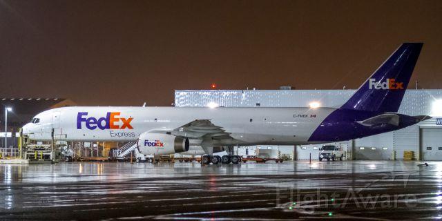 Boeing 757-200 (C-FMEK)