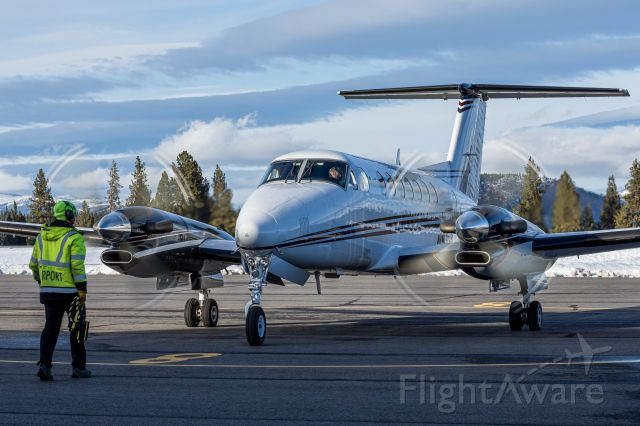 Beechcraft Super King Air 300 (N536MR)
