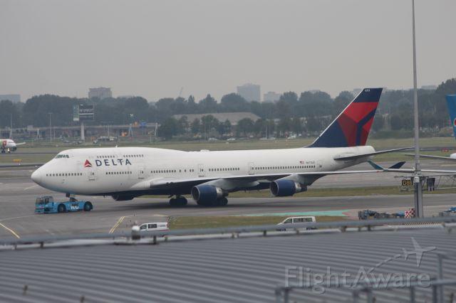 Boeing 747-200 (N673US)