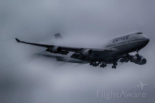 Boeing 747-400 (N177UA)