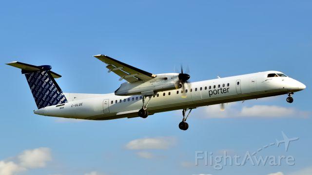 de Havilland Dash 8-400 (C-GLQE)