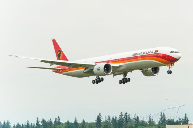 Boeing 777-200 (D2-TEI) - This TAAG Angola Boeing 777-3ER on its final approach at 16R at KPAE