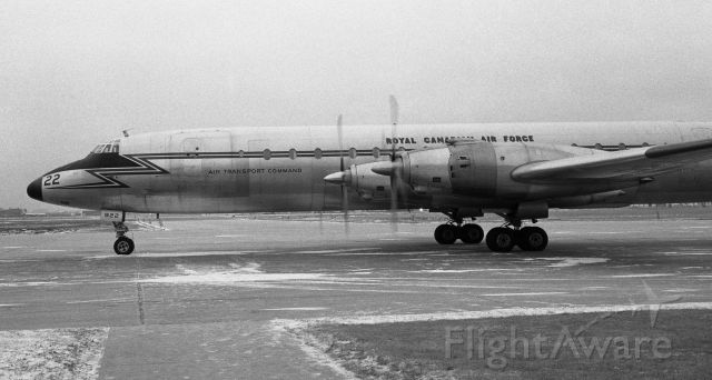 15922 — - December 1962 - CC-106 Yukon, tail # 15922, arriving from CYTR (Trenton, ON). These aircraft had rear facing seats (except for the pilots) and the effect felt somewhat odd.  The cockpit at night had all red lighting.  Slow but beautiful.
