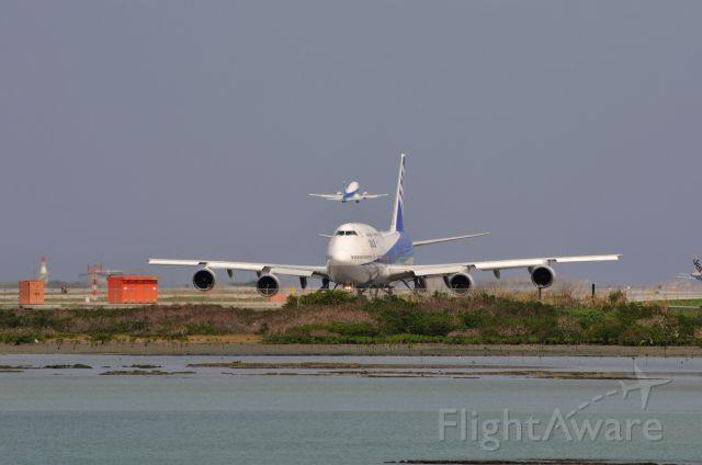 Boeing 747-400 (JA8965) - 2013/3/26