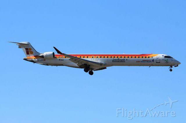 Bombardier CRJ-1000 (EC-LOX) - 14 sept 2017