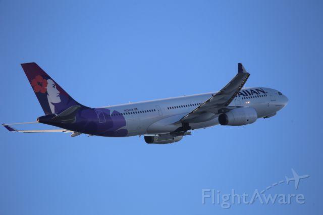 Airbus A330-200 (N370HA)
