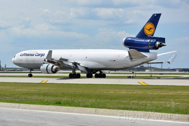 Boeing MD-11 (D-ALCM) - Rolling out on 28-C. Spoilers and thrust reversers deployed!