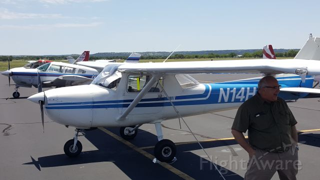 Cessna Commuter (N1234) - Three (3) Airplanes at the Diner with uAvionix skyBeacons ADS-B wingtip devices.