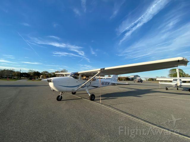 Cessna Skyhawk (N6180W)