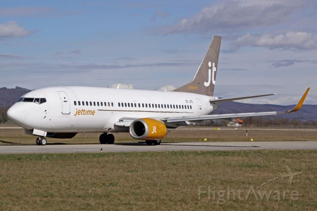 BOEING 737-300 (OY-JTE)