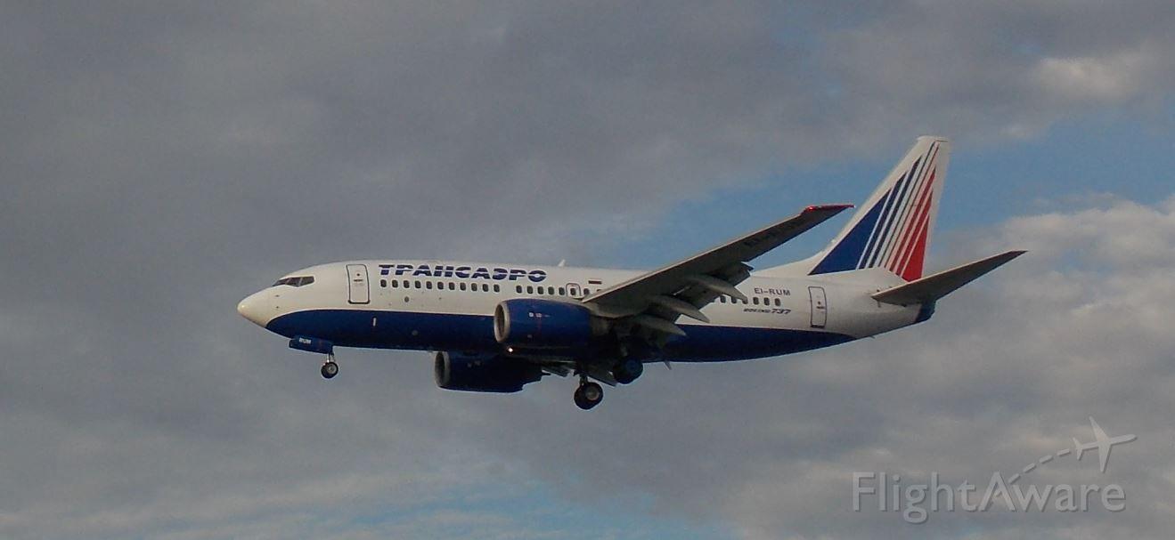 Boeing 737-700 (EI-RUM)