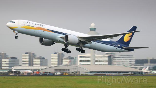 BOEING 777-300 (VT-JES)