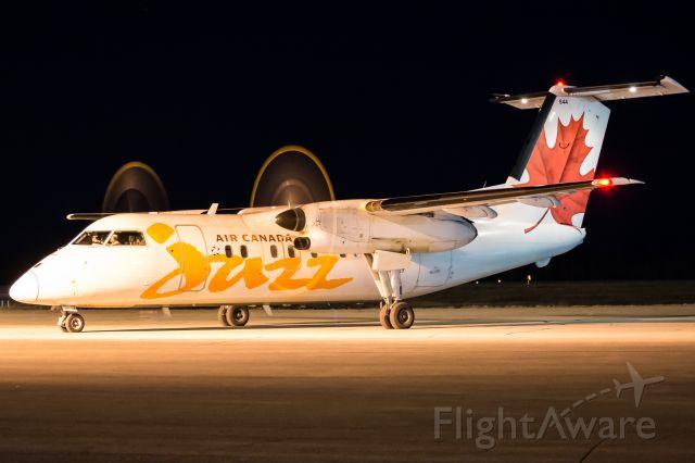 de Havilland Dash 8-100 (C-FGRY)