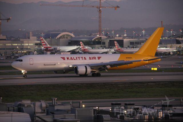 BOEING 767-300 (N762CK)