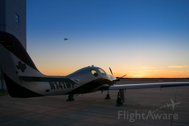 Lancair Evolution (N141WP) - Lancair Evolution EVOT-750 watching the sunset in College Station TX
