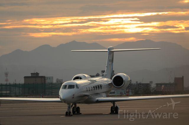 Gulfstream Aerospace Gulfstream V (N308KG) - September 9h 2019:BANK OF UTAH TRUSTEE, N308KG,Gulfstream Aerospace GV-SP (G550), staying at Hakodate Airport (HKD/RJCH), Japan.