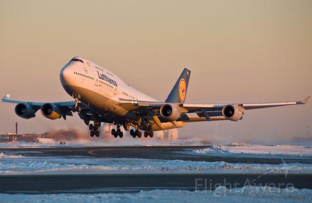 Boeing 747-400 (D-ABVU) - Bayern !