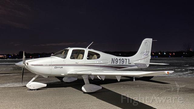 Cirrus SR-22 (N919TL) - Freshly signed off after Cirrus Embark training