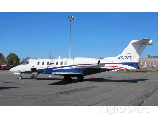 Learjet 40 (N617FX) - Powerful aircraft.