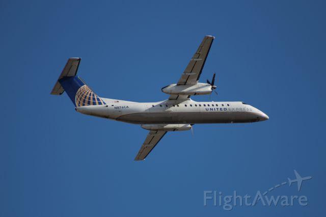 de Havilland Dash 8-300 (N876CA)