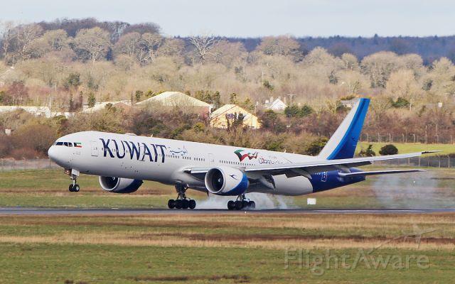BOEING 777-300 (9K-AOH) - kuwait b777-369er 9k-aoh landing at shannon 25/3/18.