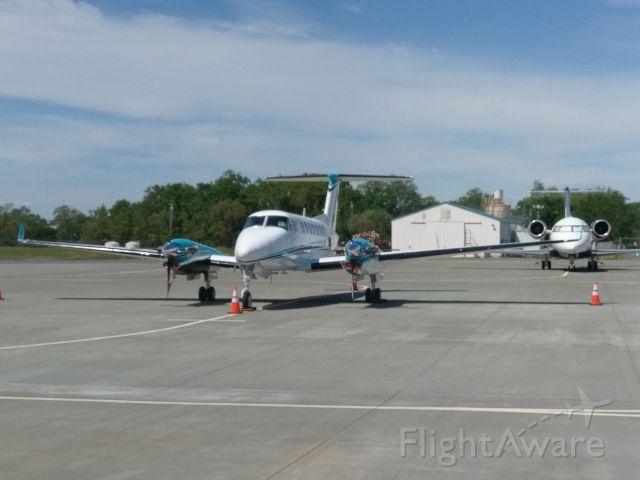 — — - King Air 350 @ KSTS Kaiser Air