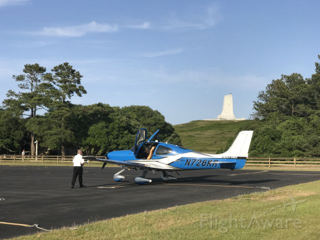 Cirrus SR-22 (N726KR) - N726KR with Wright Brother's Memorial in the background.