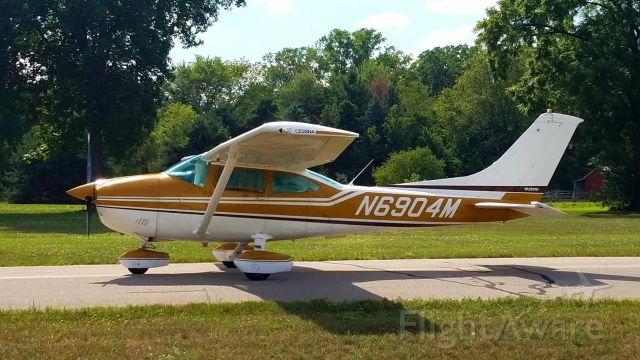 N6904M — - Cessna Skylane heading for the home field runway.