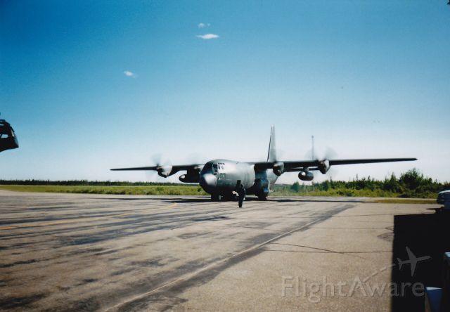Lockheed C-130 Hercules — - Forces canadienne