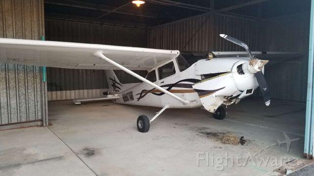 Cessna Skyhawk (N987AV) - Rough landing?