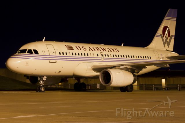 Airbus A319 (N828AW) - Oct. 26, 2011.