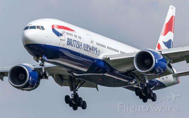 Boeing 777-200 (G-YMMN)