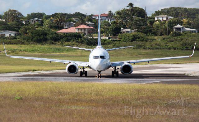 Boeing 737-700 (C-GWBX)