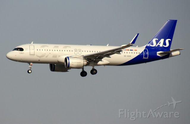 Airbus A320neo (SE-ROH)