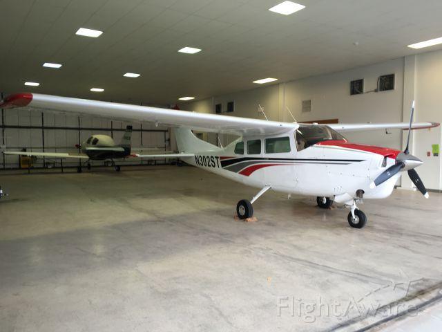 Cessna Centurion (N302ST)