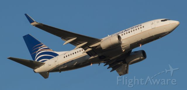 Boeing 737-700 (HP1521CMP) - I finally snag me a pic of a Copa Airlines bird!