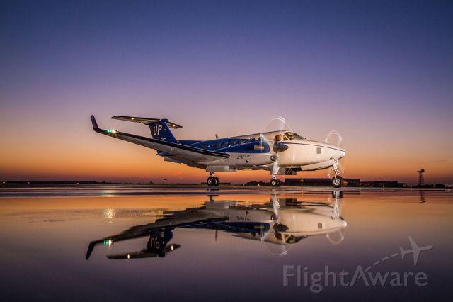 Beechcraft Super King Air 350 (N828UP)