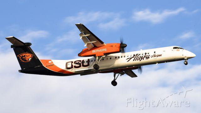 de Havilland Dash 8-400 (N440QX)